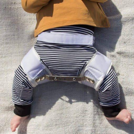 Slimfit Broekje voor kinderen met een heupafwijking Streepjes Zwart-Wit