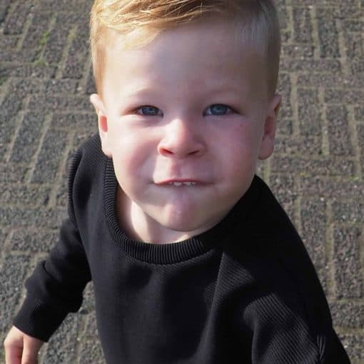 Ribsweater Zwart Jongenstrui Handgemaakt